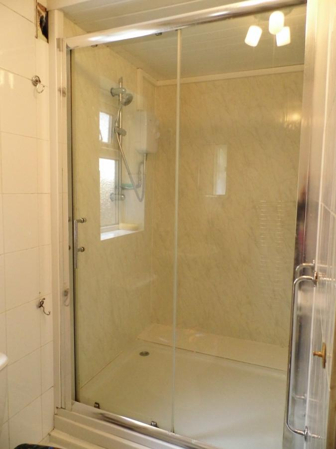 LARGE WALK IN SHOWER